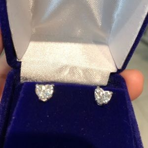 Jewelry - Heart Shape Diamond earrings